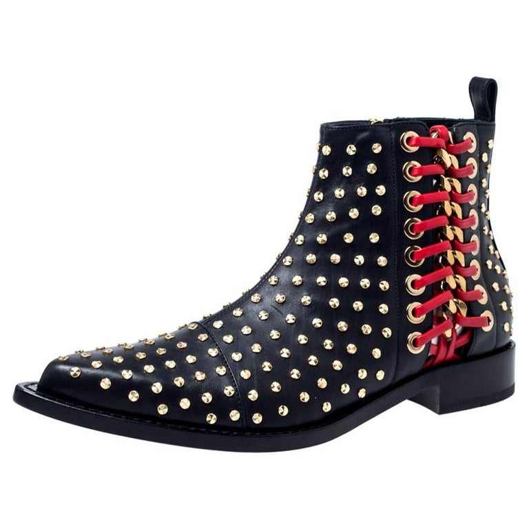 Alexander McQueen Black Leather Studded Chain Detail Pointed Toe Ankle Boots Siz For Sale
