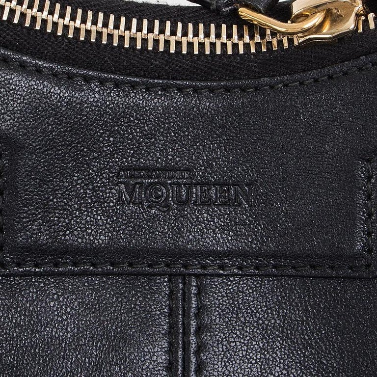 ALEXANDER MCQUEEN black leather STUDDED DE MANTA Clutch Bag For Sale 3