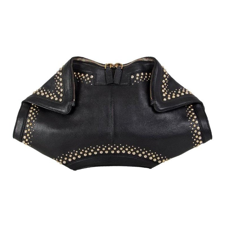 ALEXANDER MCQUEEN black leather STUDDED DE MANTA Clutch Bag For Sale