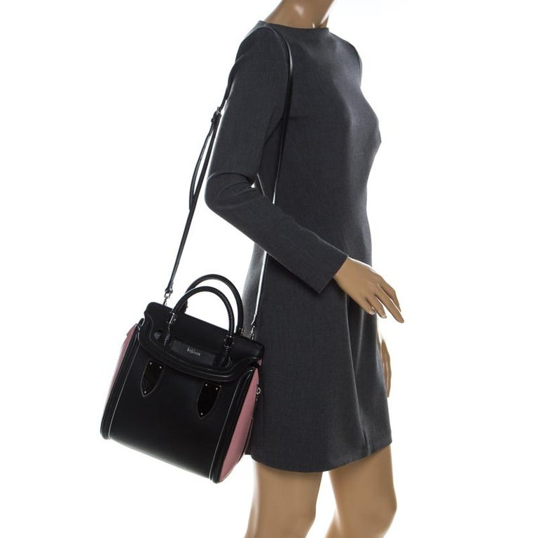 Alexander McQueen Black/Pink Leather Small Heroine Satchel In Good Condition For Sale In Dubai, Al Qouz 2