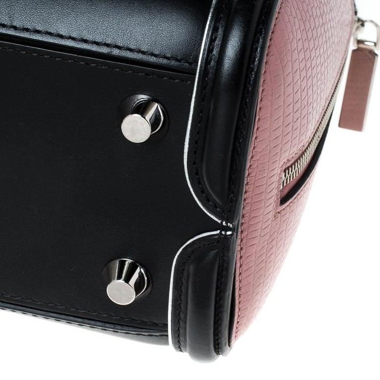 Alexander McQueen Black/Pink Leather Small Heroine Satchel For Sale 3