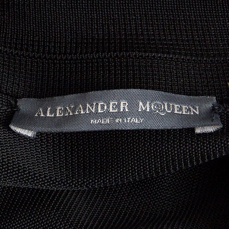ALEXANDER MCQUEEN black rayon SEMI SHEER KNIT BELTED SHIRT Dress L In Excellent Condition For Sale In Zürich, CH