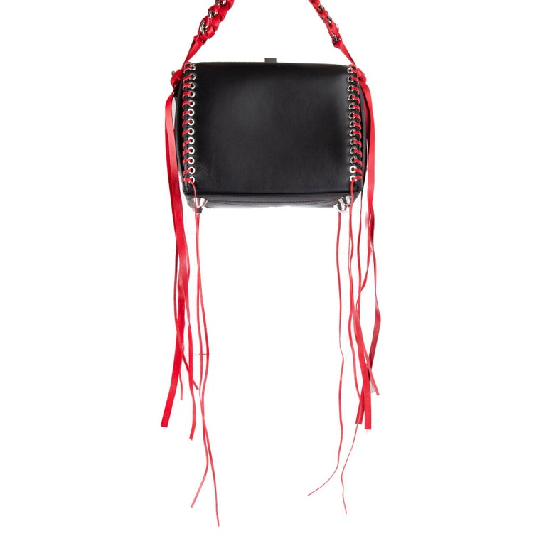 ALEXANDER MCQUEEN black & red leather BOX 19 WHIPSTITCH Bag In Excellent Condition For Sale In Zürich, CH