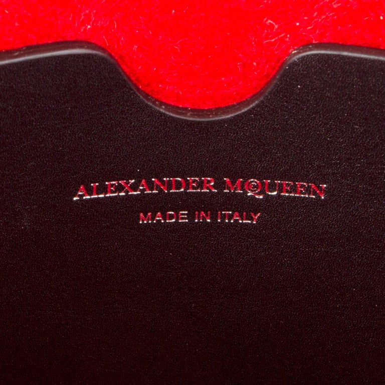 ALEXANDER MCQUEEN black & red leather BOX 19 WHIPSTITCH Bag For Sale 5