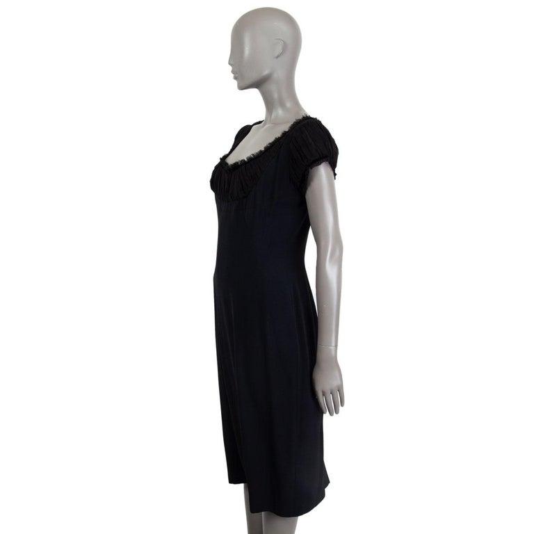 Black ALEXANDER MCQUEEN black silk GATHERED SHORT SLEEVE Dress 44 L For Sale