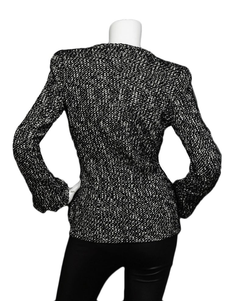 Alexander McQueen Black & White Tweed Front-Zip Jacket sz IT40 In Excellent Condition For Sale In New York, NY