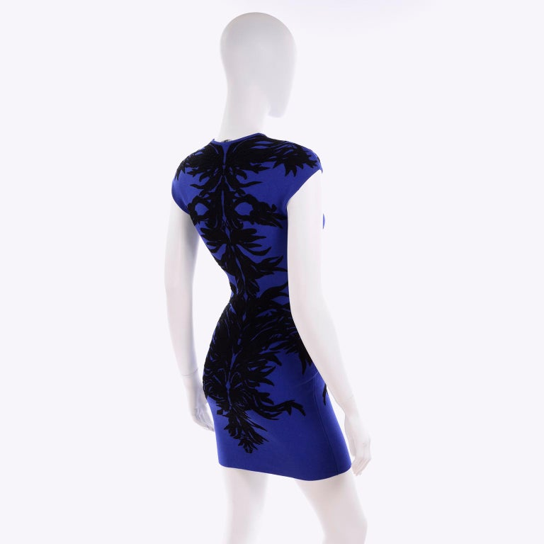 Alexander McQueen Blue & Black Spine Print Intarsia Knit Bodycon Sheath Dress In Excellent Condition For Sale In Portland, OR
