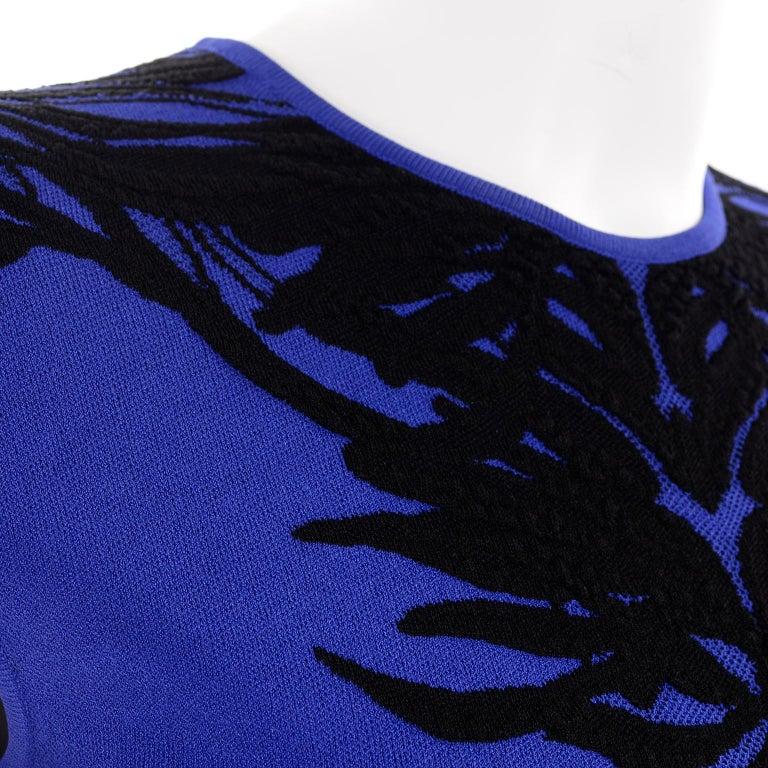 Alexander McQueen Blue & Black Spine Print Intarsia Knit Bodycon Sheath Dress For Sale 4