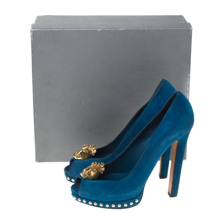 Alexander McQueen Blue Suede Crystal Embellished Skull Peep Toe Pumps Size 39.5 For Sale 4