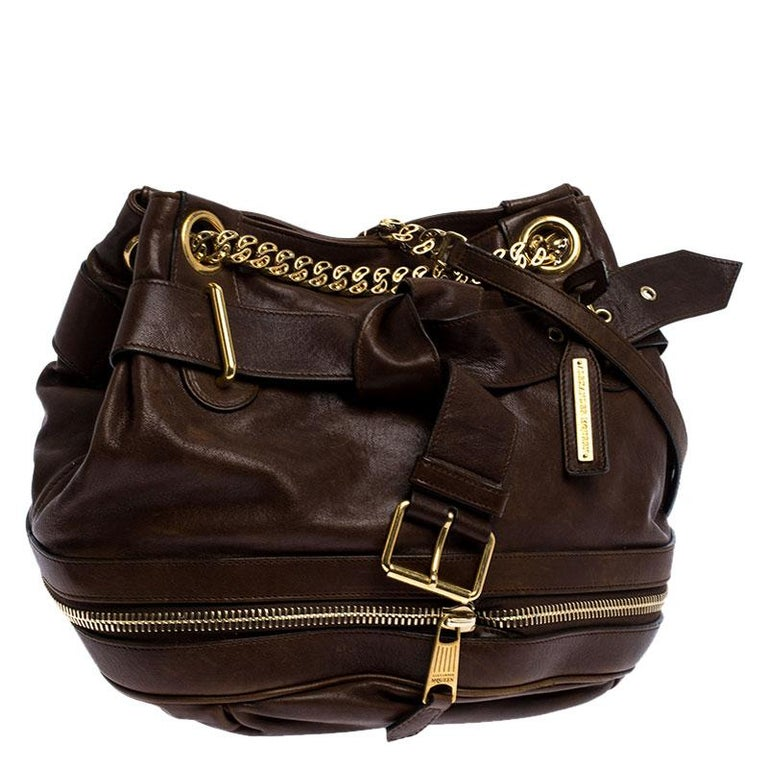 Alexander McQueen Brown Leather Faithful Bucket Tote In Good Condition For Sale In Dubai, Al Qouz 2