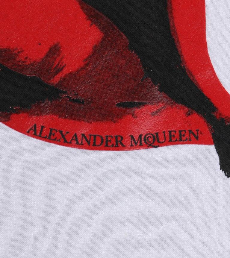 ALEXANDER McQUEEN c. 2009 White Silkscreen Lips Cotton V-Neck Tank Top  For Sale 2