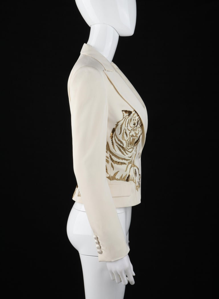 ALEXANDER McQUEEN c.2007 Ivory Blazer Jacket Gold Embroidered Tiger In Good Condition For Sale In Thiensville, WI