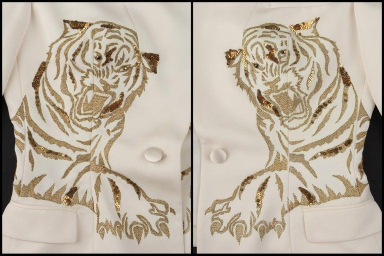 ALEXANDER McQUEEN c.2007 Ivory Blazer Jacket Gold Embroidered Tiger For Sale 2
