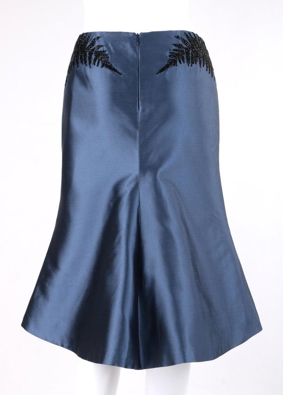 ALEXANDER McQUEEN c.2007 Metallic Blue Black Beaded Fern Leaf Silk Trumpet Skirt In Good Condition For Sale In Thiensville, WI