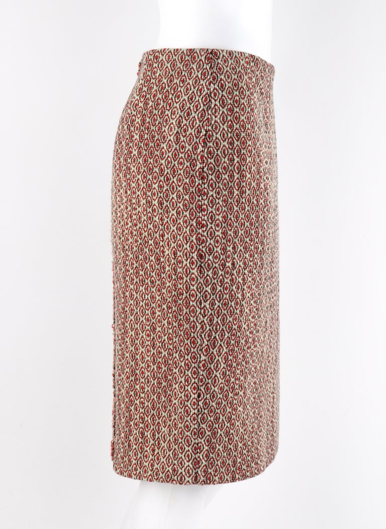 ALEXANDER McQUEEN c.2007 Patterned Fringe Wool Pencil Back Full Zip Skirt In Good Condition For Sale In Thiensville, WI