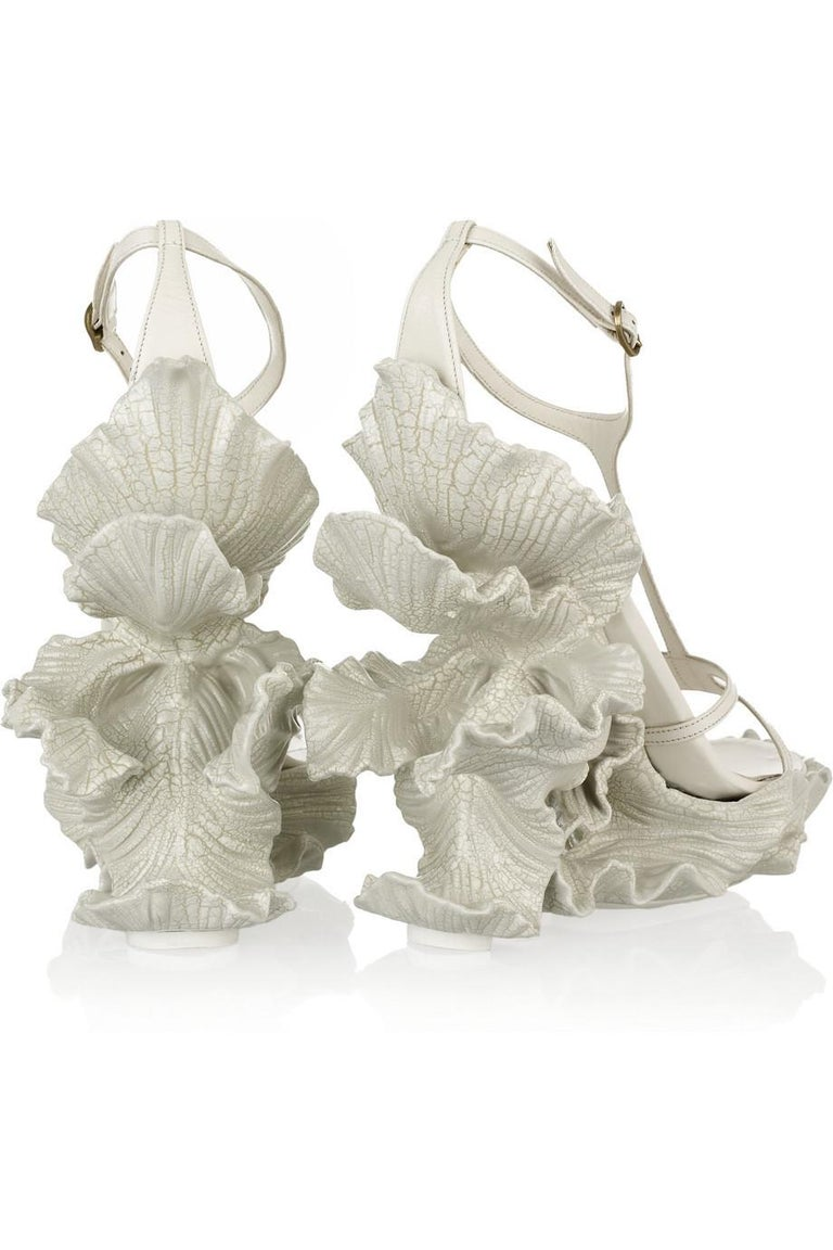 Women's Alexander McQueen cream leather, sculpted resin leaf wedge sandals, ss 2011 For Sale