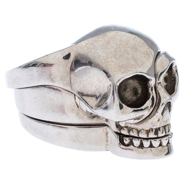 Alexander McQueen Divided Skull Silver Tone Ring Size 23 For Sale