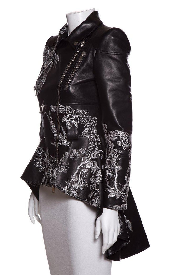 ALEXANDER MCQUEEN  Embroidered Leather Biker Jacket Sz 40 NWT In Excellent Condition For Sale In Scottsdale, AZ