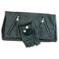 Alexander McQueen Faithful Glove Clutch in Black Leather