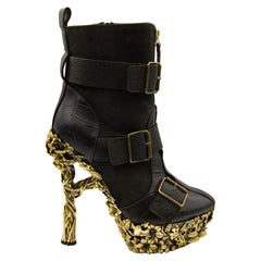 Alexander McQueen Fall 2010 Ready-To-Wear Black Leather Ankle Boots