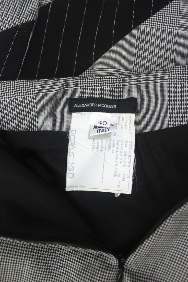 Alexander McQueen Fitted Skirt Suit 1997 Collection For Sale 5