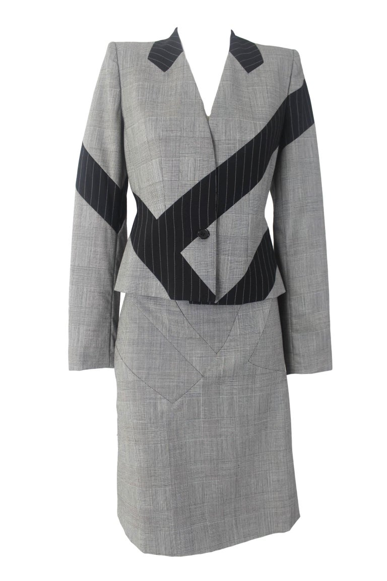 Alexander McQueen Fitted Skirt Suit 1997 Collection For Sale 2