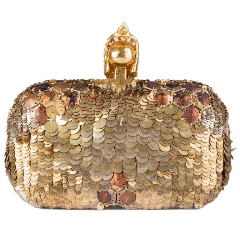 ALEXANDER MCQUEEN gold SEQUIN JAW SKULL Box Clutch Bag In Excellent Condition For Sale In Zürich, CH