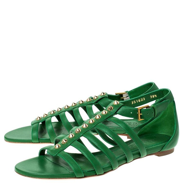 Alexander McQueen Green Leather Spike Detail Flat Gladiator Sandals Size 38.5 For Sale 1