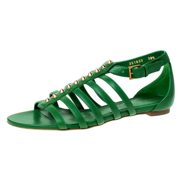 Alexander McQueen Green Leather Spike Detail Flat Gladiator Sandals Size 38.5 For Sale
