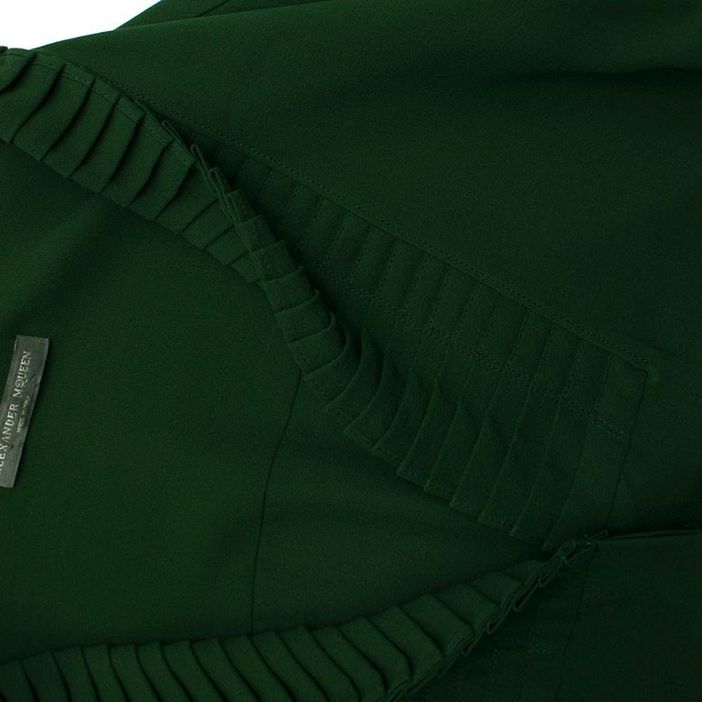 Alexander McQueen Green Pleat Collar Silk BlouseItaly 44 In Good Condition For Sale In London, GB