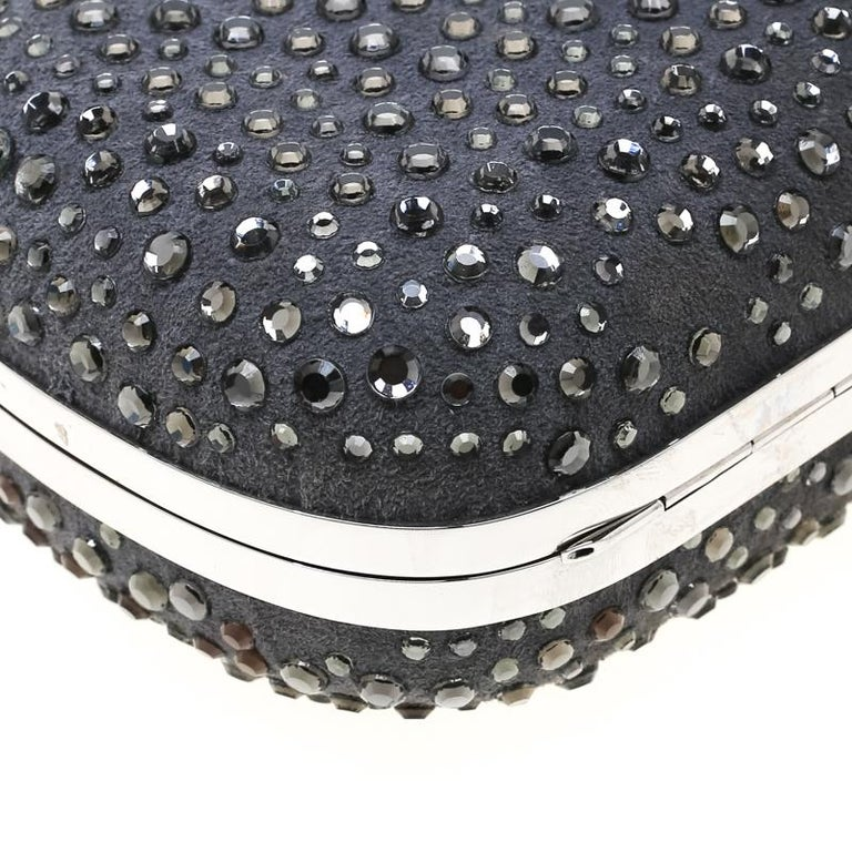 Alexander McQueen Grey Nubuck Leather and Crystal Embellished Skull Clutch For Sale 7