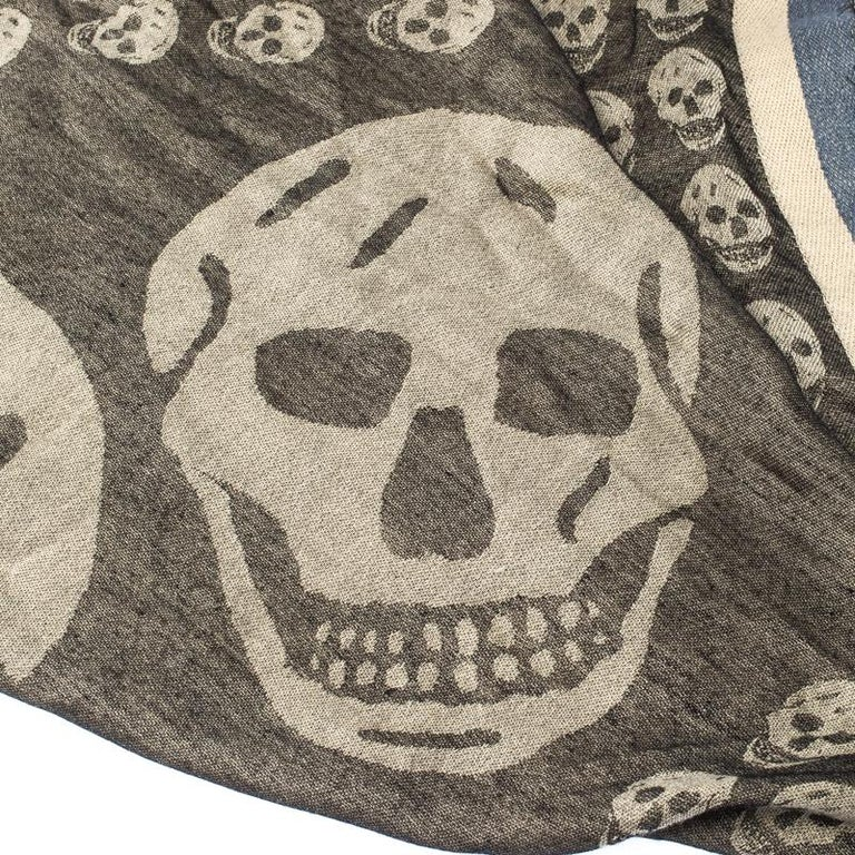 Alexander McQueen Grey Skull Pattern Jacquard Triangle Fringed Scarf For Sale 1