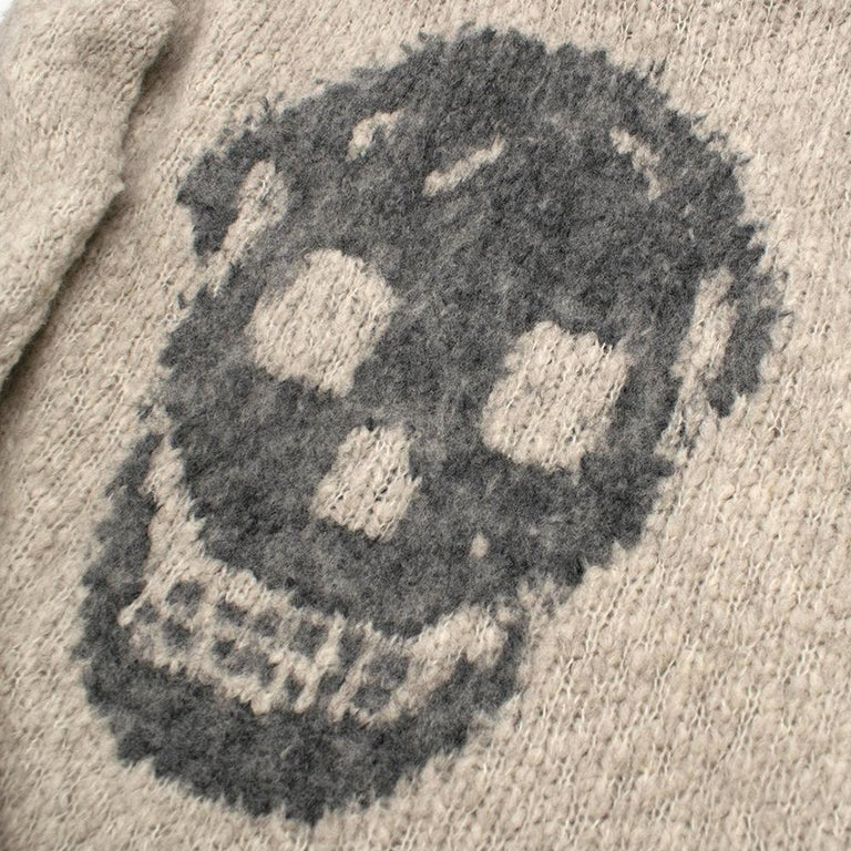 Alexander McQueen Grey Skull Print Wool Blend Roll Neck Sweater XS In Excellent Condition For Sale In London, GB