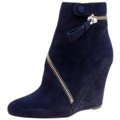 Alexander McQueen Indigo Blue Suede Spiral Zip Detail Wedge Ankle Boots Size 38.
