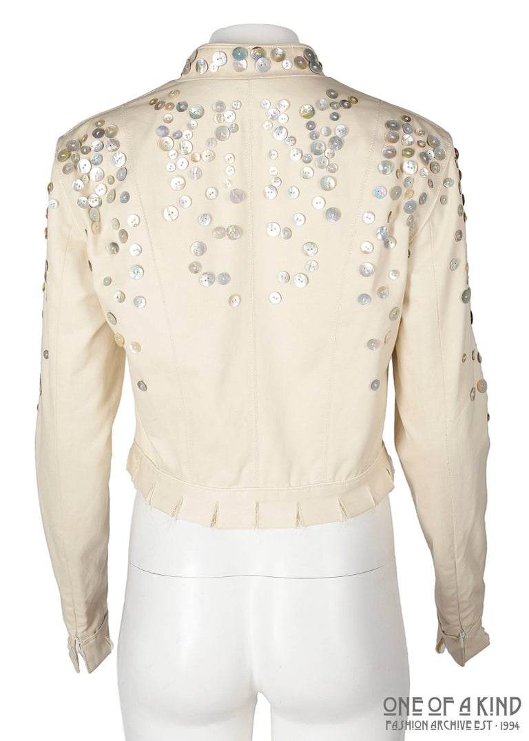 Alexander McQueen ivory cotton jacket with decorative pearl buttons, SS 2003 For Sale 1
