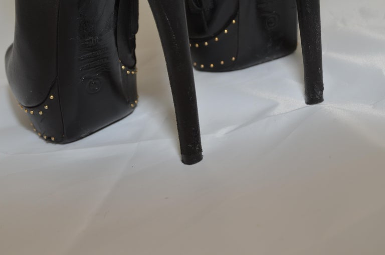 Alexander McQueen Leather Platform Boots with Studded Heart Motif For Sale 7