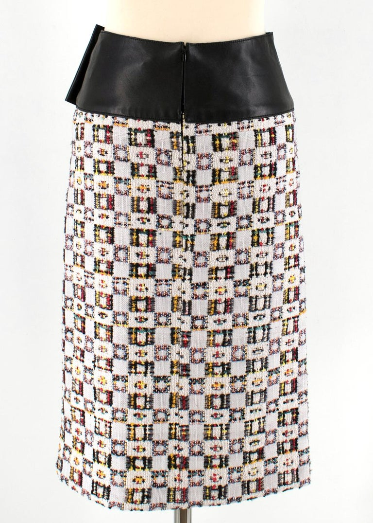 Alexander McQueen Leather-Trimmed Tweed Skirt 38 In Excellent Condition For Sale In London, GB