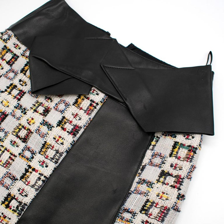 Alexander McQueen Leather-Trimmed Tweed Skirt 38 For Sale 2