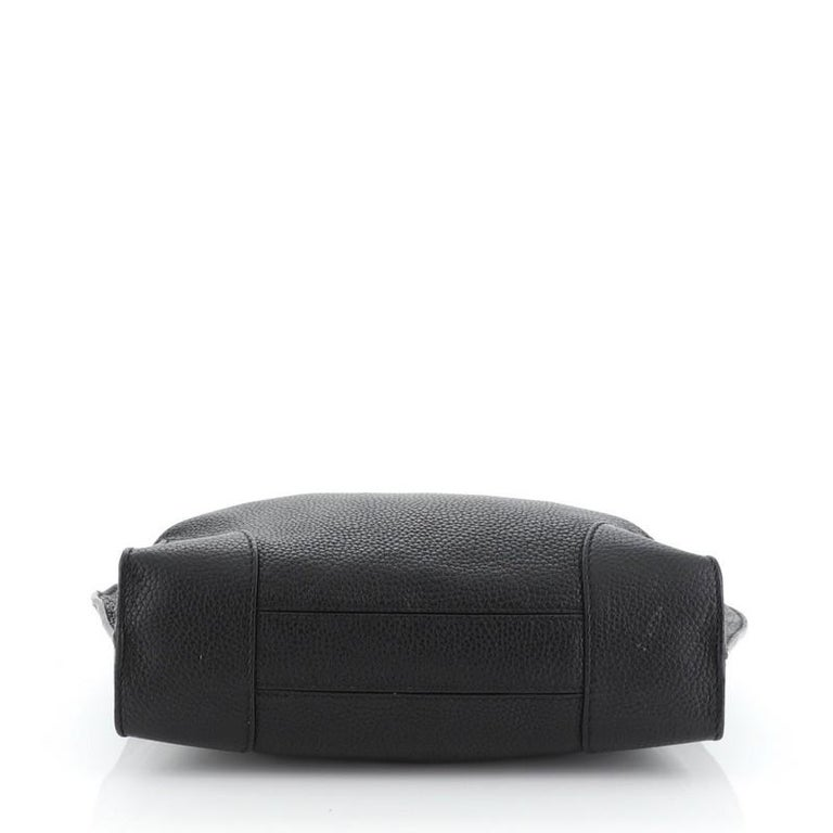 Alexander McQueen Legend Hobo Leather Medium  In Good Condition For Sale In New York, NY
