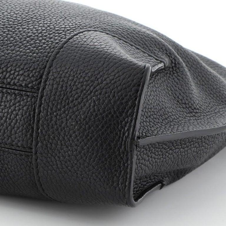 Alexander McQueen Legend Hobo Leather Medium  For Sale 1