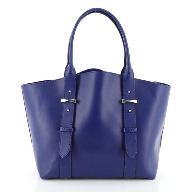 Women's Alexander McQueen Legend Tote Leather Medium For Sale