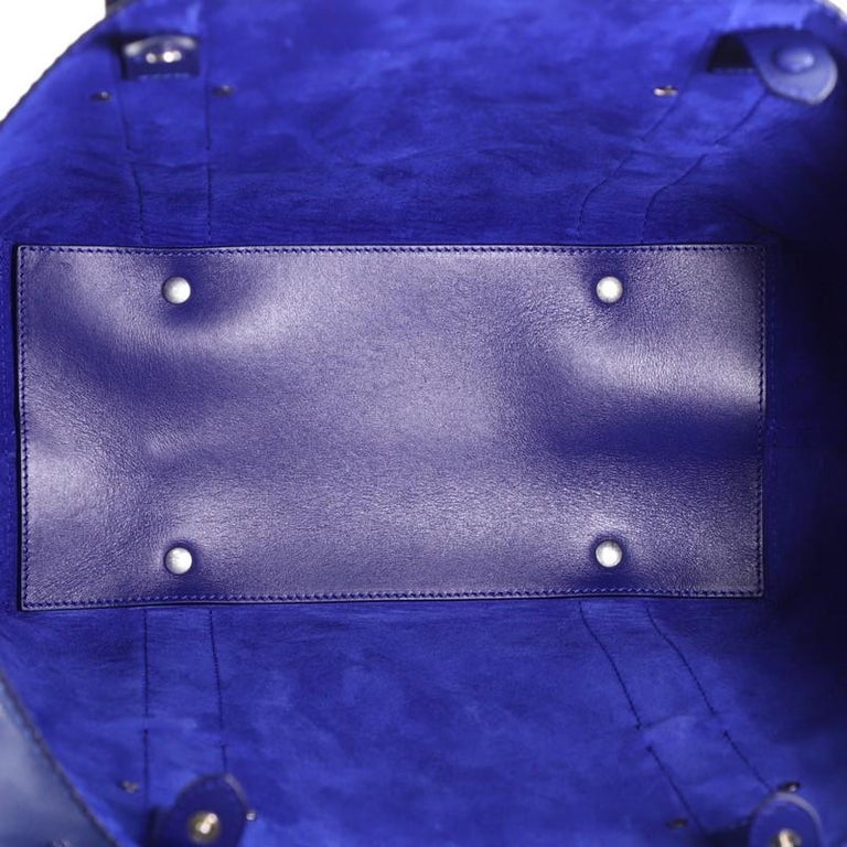 Alexander McQueen Legend Tote Leather Medium For Sale 2