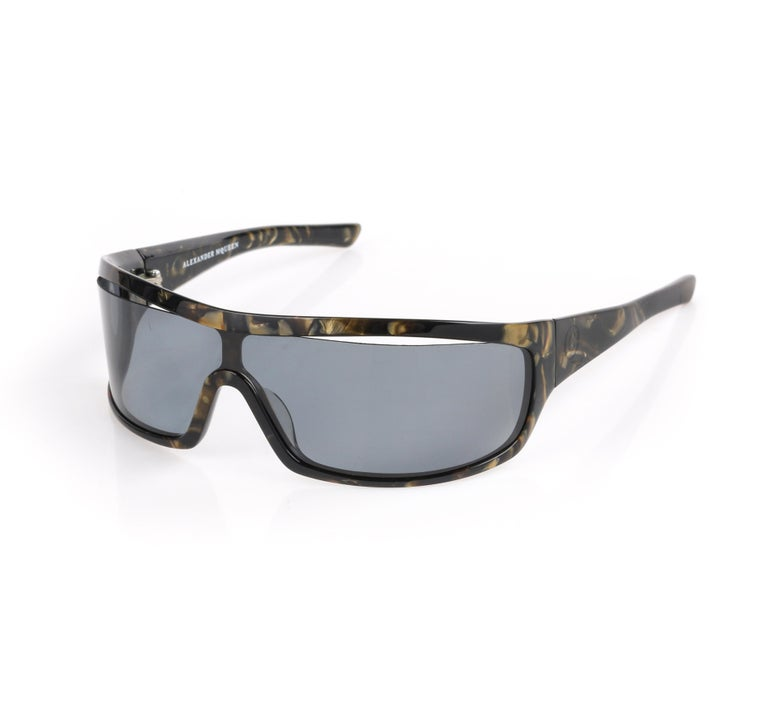 Gray ALEXANDER McQUEEN Metallic Gold Tortoise Shell Shield Sunglasses 4001/S For Sale