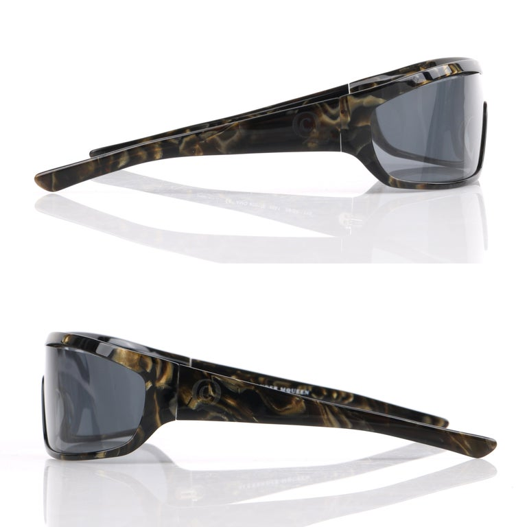 Women's or Men's ALEXANDER McQUEEN Metallic Gold Tortoise Shell Shield Sunglasses 4001/S For Sale