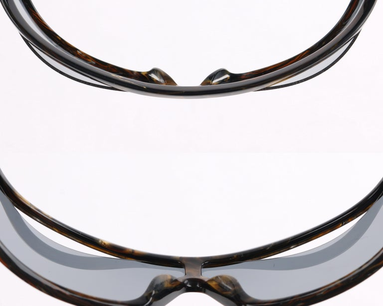 ALEXANDER McQUEEN Metallic Gold Tortoise Shell Shield Sunglasses 4001/S For Sale 4