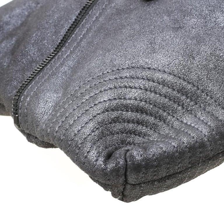 Alexander McQueen Metallic Grey Textured Leather Wristlet Clutch For Sale 6