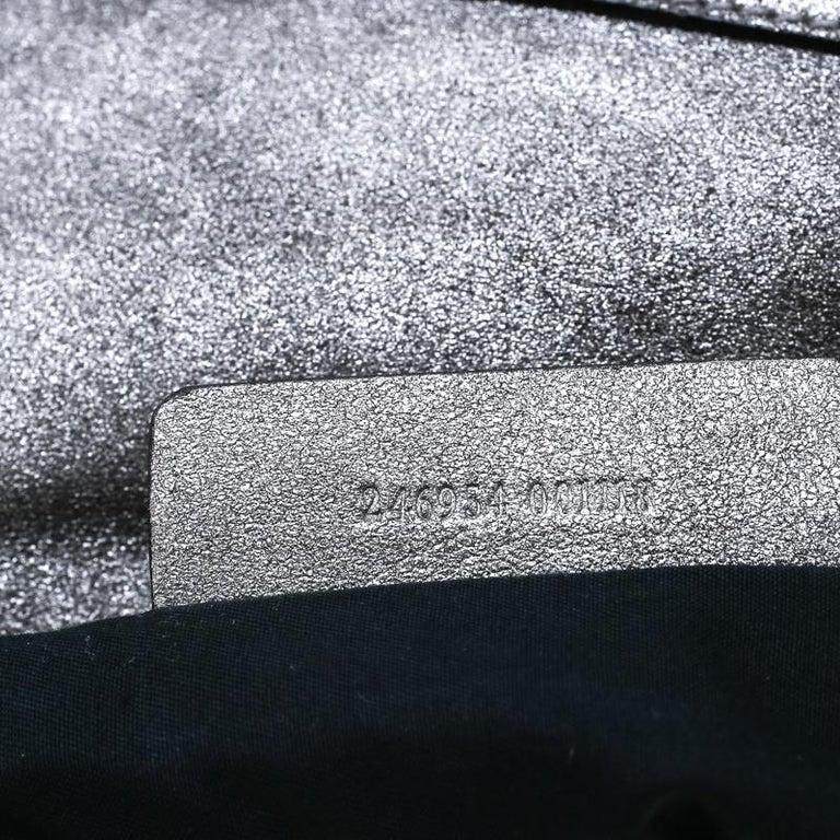 Alexander McQueen Metallic Grey Textured Leather Wristlet Clutch For Sale 2