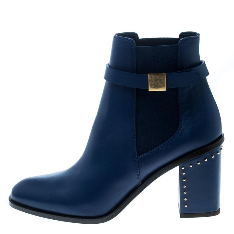Alexander McQueen Midnight Blue Leather Studded Heel Ankle Boots Size 40 For Sale 1