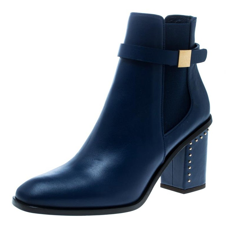 Alexander McQueen Midnight Blue Leather Studded Heel Ankle Boots Size 40 For Sale