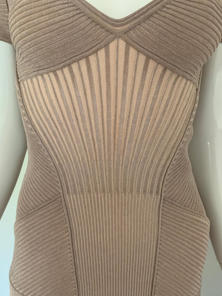 Alexander McQueen NWT Dusty Rose Cap Sleeve Cocktail Dress  For Sale 3